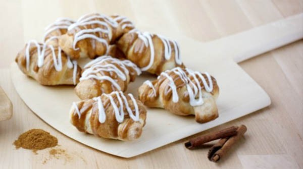 Papa Johns Releases Cinnamon Knots | Fast Food Watch