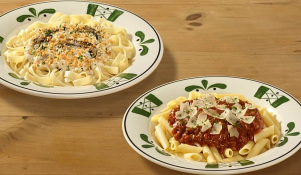 Olive garden never ending pasta bowl is back fast food watch for Olive garden endless pasta bowl